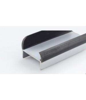 Резинопластиковый уплотнитель П-образный 77 мм.